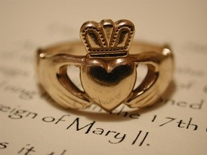 Irish Claddagh Ring Meaning History 300x225